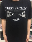 Camiseta Thug Nine Trust No Bitch Preta