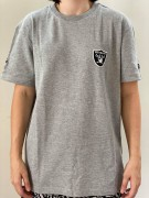 Camiseta New Era Raiders Estampa Costas Cinza