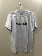 Camiseta New Era Branca Essentials